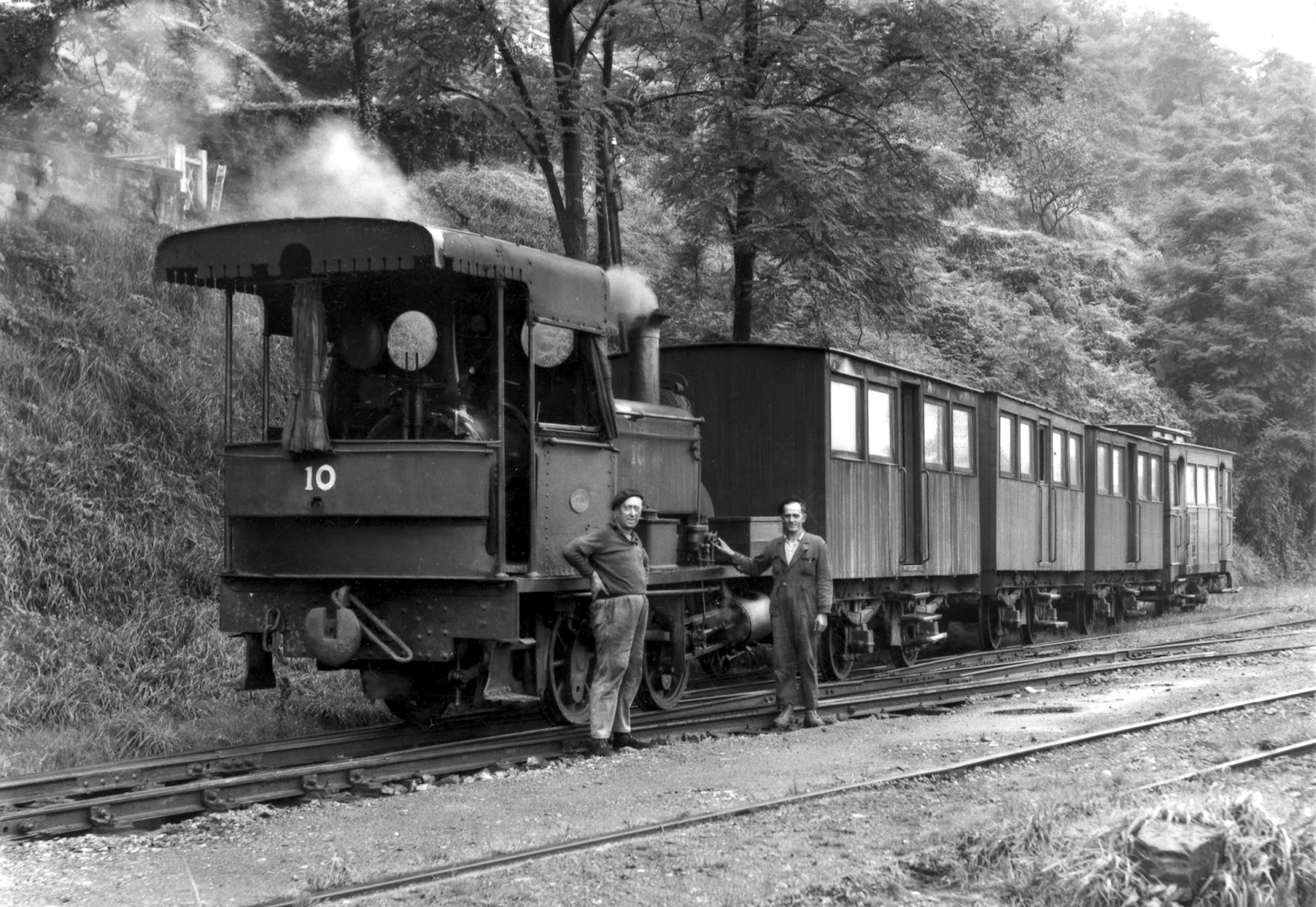 +++Sestao a Galdames , tren obrero, foto Marsahall[1]