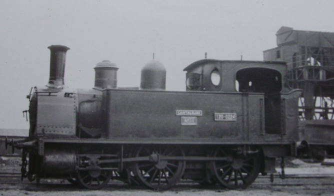 Bilbao a Portugalete , locomotora nº 11 CANTALOJAS, año 1963, fondo Gustavo Reder