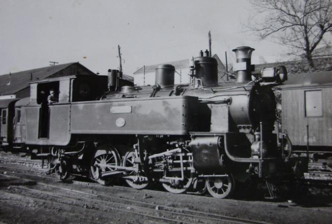 Económicos de Asturias , Locomotora nº 64 , año 1959, fondo Gustavo Reder