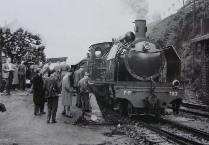 Ferrocarril de la Robla, locomotora 183, año 1959, fondo Gustavo Reder