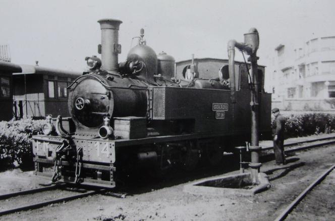 Ferrocarril de la Robla , locomotora GUARDO nº 14, fondo J. Aranguren