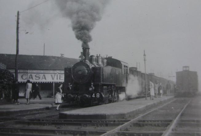 Fc de Langreo , c 1950 , locomotora nº 48 en el Berron, fotografo desconocido