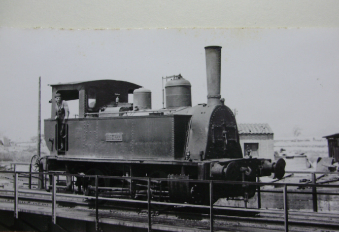 Locomotora MZA , pasó a Renfe con el nº 020-0233