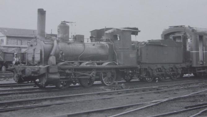 Norte , locomotora EL DARRO (Renfe 040-2174)