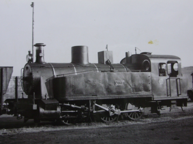 Puerto del Musel JOP, locomotora nº 16 , año 1960