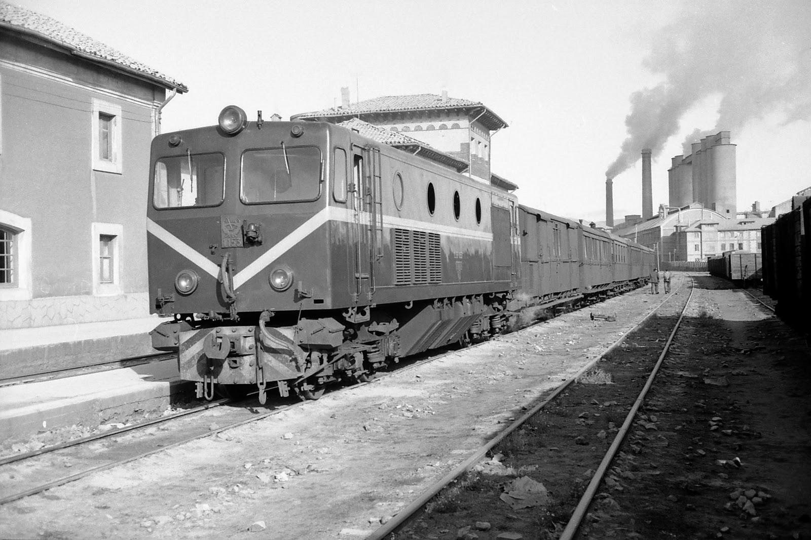 Robla, tren Bilbao a León, estación de Mataporquera, foto: Martin Dietrich