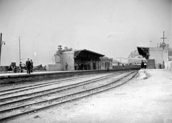 Santander a Bilbao, Estacion provisional de Santander, desaparecida la estacion de la Costa en 1936, fondo Biblioteca Nacional de España