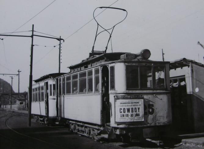 Tranvias de Gijón , coche nº 25 en la línea del Musel , c. 1950, fotografo desconocido