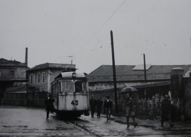 Tranvias de Gijón , coche nº 43 , c. 1950, fotografo desconocido