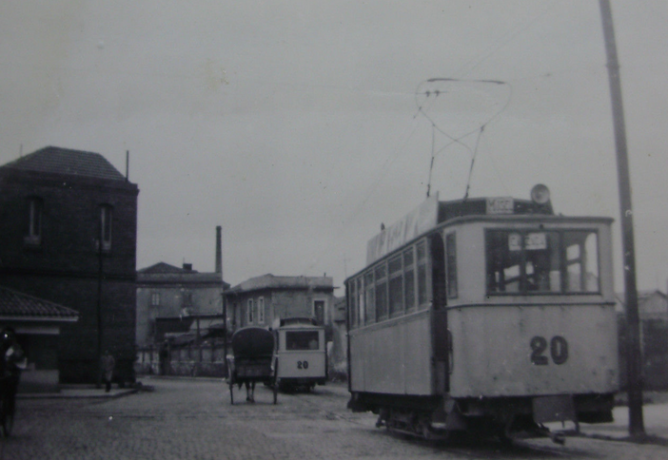 Tranvias de Gijon , coche nº 20. c. 1950, fotografo desconocido