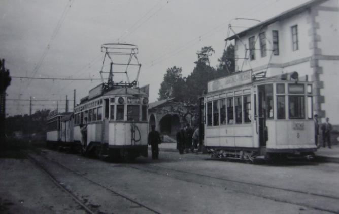 Tranvias de Vigo , unidad con remolque para mercancias intermedio , c. 1950, fotografo desconocido