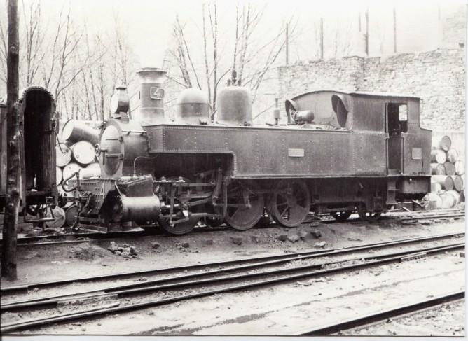 Ferrocarril de La Robla , locomotora nº 4 en Balmaseda, 30-3-59, foto Xavier Santamaría