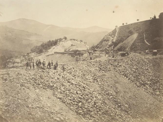 Construccion de un terraplen entre Zumararaga y Beasain , fondo Museo Vasco del Ferrocarril
