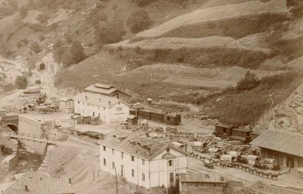 AGL , estación de acopio de materiales, año 1884, foto P.Sauvanaud, fondo AGL
