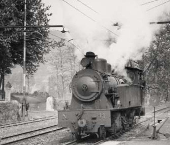 AGP , locomotora nº 11 en Amorebieta, foto Jeremy Wiseman