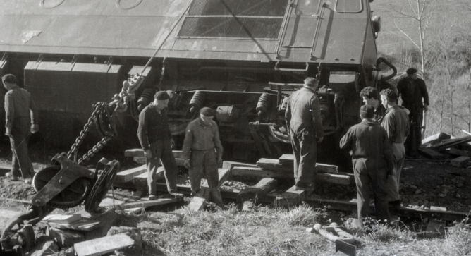 Accidente de la locomotora Creusot 1152, linea de Amorebieta a Bermeo (11) , foto Galeria Mendoza