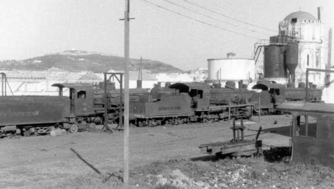 Acopio de material en la estacion de Ceuta, una vez calusurada la explotación, fondo APG