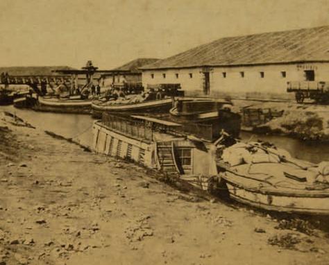 Alar del Rey , embarcadero del ferrocarril en el Canal de Castilla, año 1857, Foto Atkinson, fondo Biblioteca Municipal de Santander