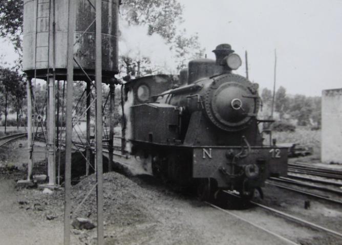 Amorebieta a Bermeo, locomotora nº 12, c. 1960, fondo X. Aranguren
