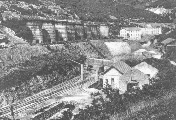 Arditurri , hornos de calcinación y playa del servicio ferroviario , fondo Museo Vasco del Ferrocarril
