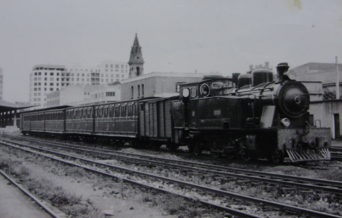 Astillero a Ontaneda, locomotora nº 6 , c. 1960, Fondo M. Van Wtsen