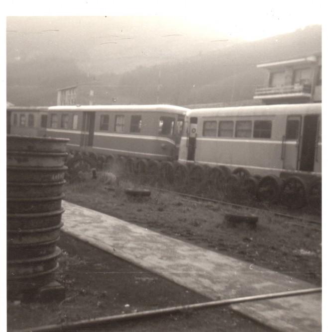 Automotores ex Vay en Valmaseda_29-02-1976- foto Carmelo Zaita