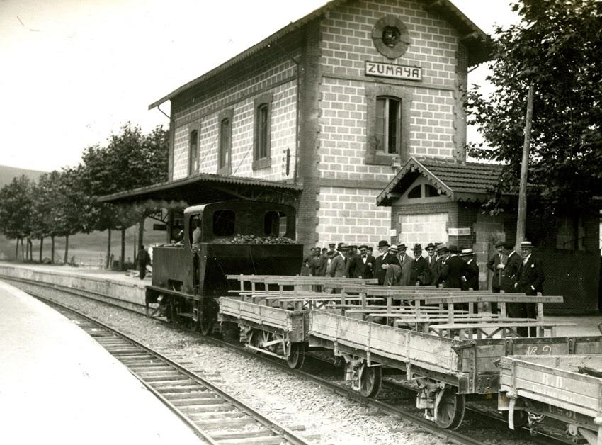 Autoridaddes visitando la linea del Urola, Zumaya , año 1924. Fondo Esuskotren MVF