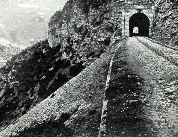 bobadilla-a-algeciras-tunel-no10-entre-gaucin-y-cortes-revista-adelante-ano-1911