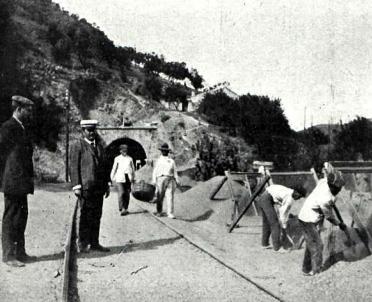 cordoba-a-malaga-trabajos-de-reparacion-del-tunel-no-16-ano-1911-revista-adelante