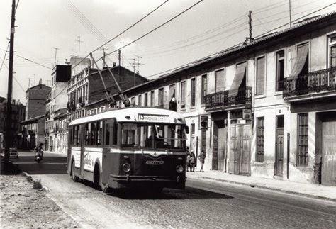 CTFV , trolebus linea 13, en la calle Pedro Aleixandre, fotografia Christian Buisson