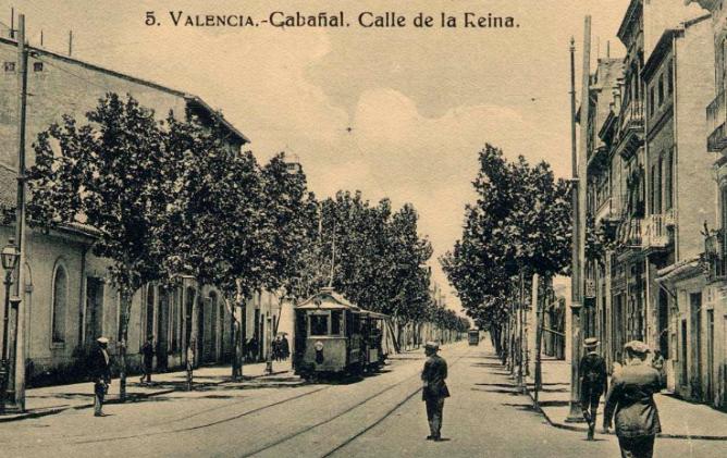 Cabañal, tranvia en la calle de la Reina, fondo Biblioteca Valenciana , postal comercial