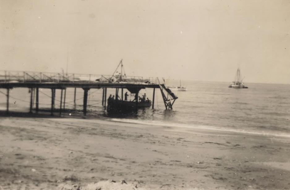 Embarcadero de las Salinas del Cabo de Gata, fotografo desconocido, fondo APG
