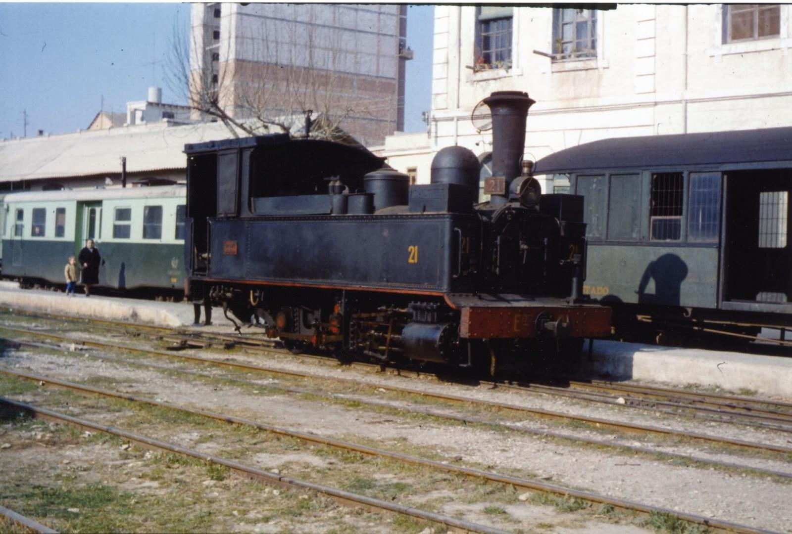 Carcagente a Denia, tracción vapor , locomotora nº 21 , foto Jeremy Wiseman