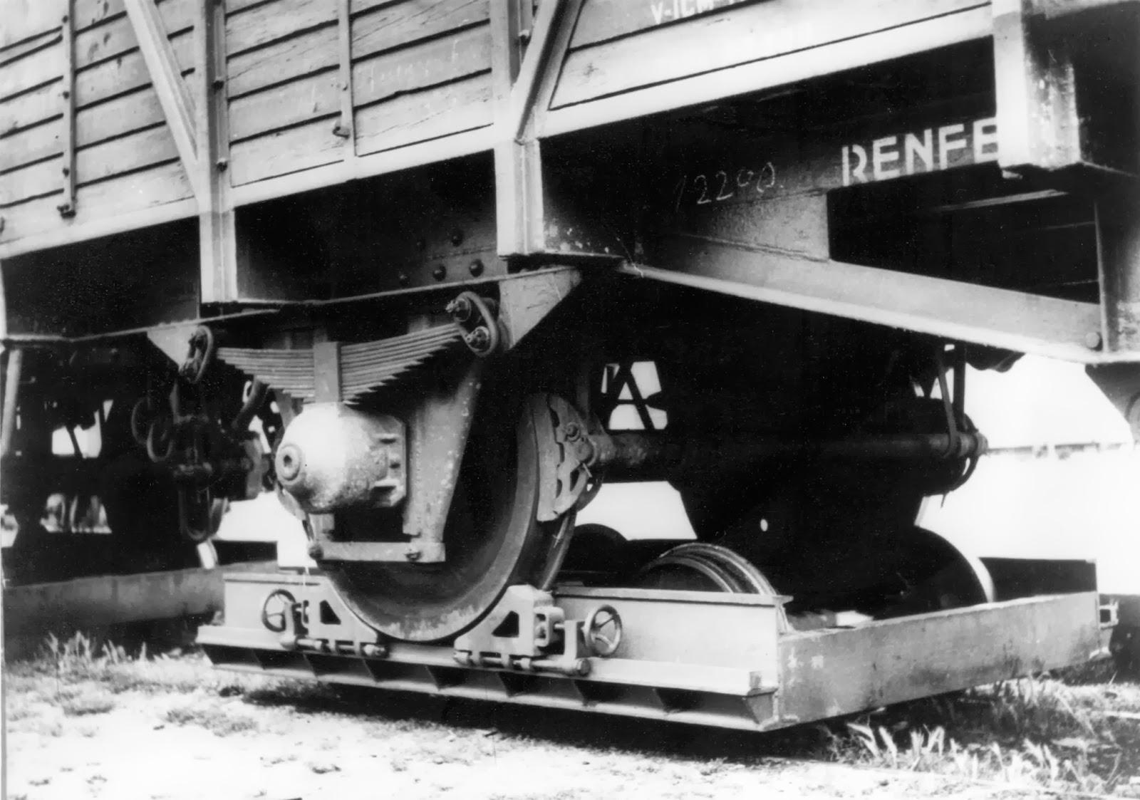 Carreton con el vagon de Transfesa, foto Vicente Ferrer Hermenegildo