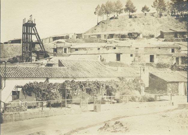 Castillete y poblado de San Miguel, fondo La Factoria