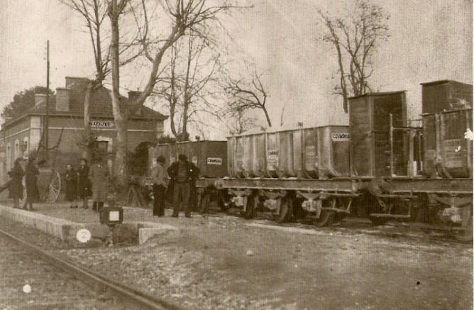 Central de Aragon , estacion e Navajas, año 1910, estacionamiento de vagones para mineral, fotoLaruy, Archivo Diaz Prospér