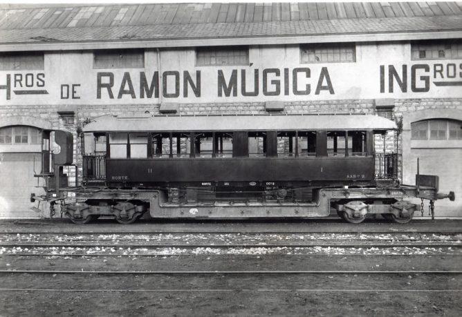 Coche del Carcagente a Denia , H de Ramon Mugica, fondo E uskotren , MVF