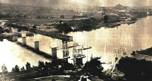 Construccion del puente internacionaldel Miño, archivo Euskotren, MVF