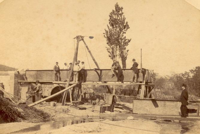 Construcción del puente sobre el rio Ridaura, Archiu Municipal de Sant Feliu de Guixols