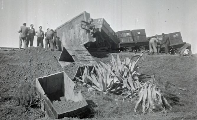 Descarrilamiento de vagones con contenedores de mineral, foto Fiallo
