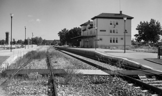 Directo de Madrid a Burgos, estación de Aranda de Duero-Montecillo, foto Felipe Cuenca Diaz