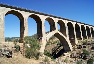Directo de Madrid a Burgos, puente de Taboada, archivo J. Esetena