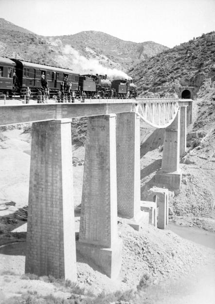 Doble traccion en Balaguer, año 1949, fondo , Archivo Municoipal de Balaguer