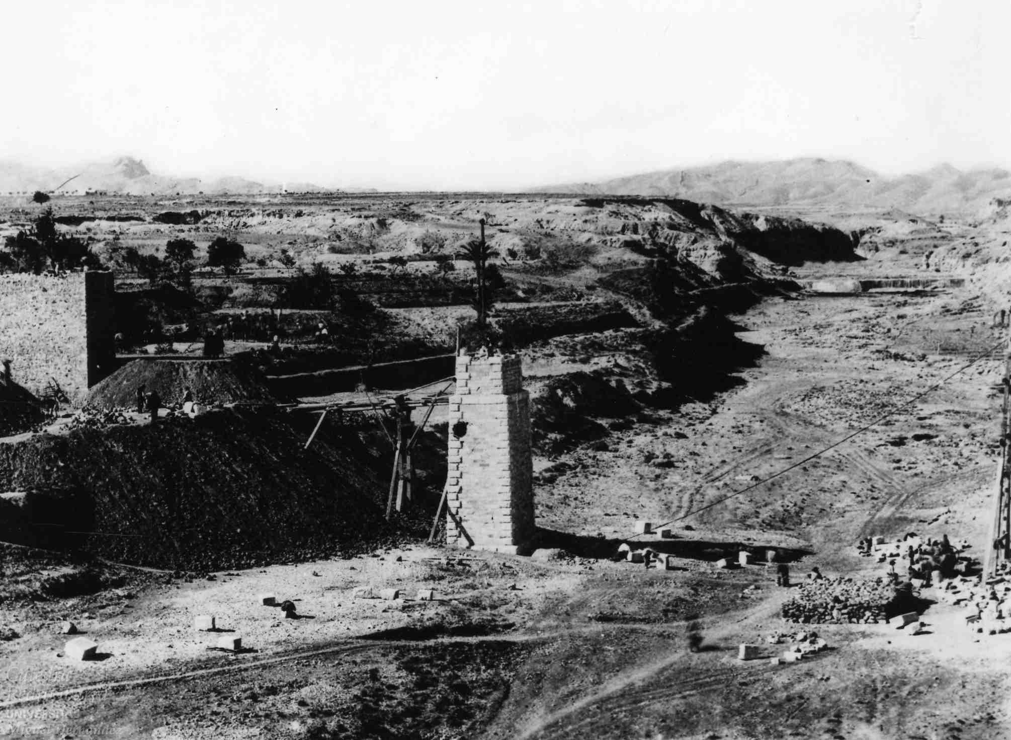 Elche , año 1882, puente del ferrocarril, UMH