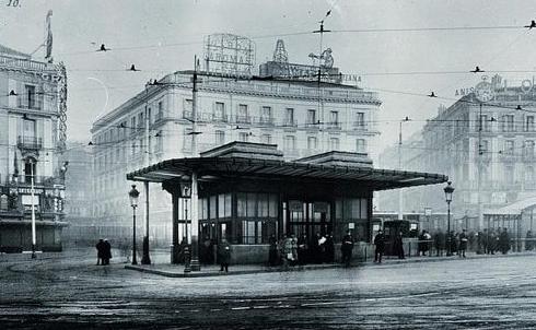 Entrada al Metro en la Puerta del Sol