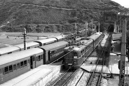 Estación de Lutxana, enlace con el bilbao a Las Arenas. Foto Felix Zurita Moreno, Archivo Josep Miquel Solé