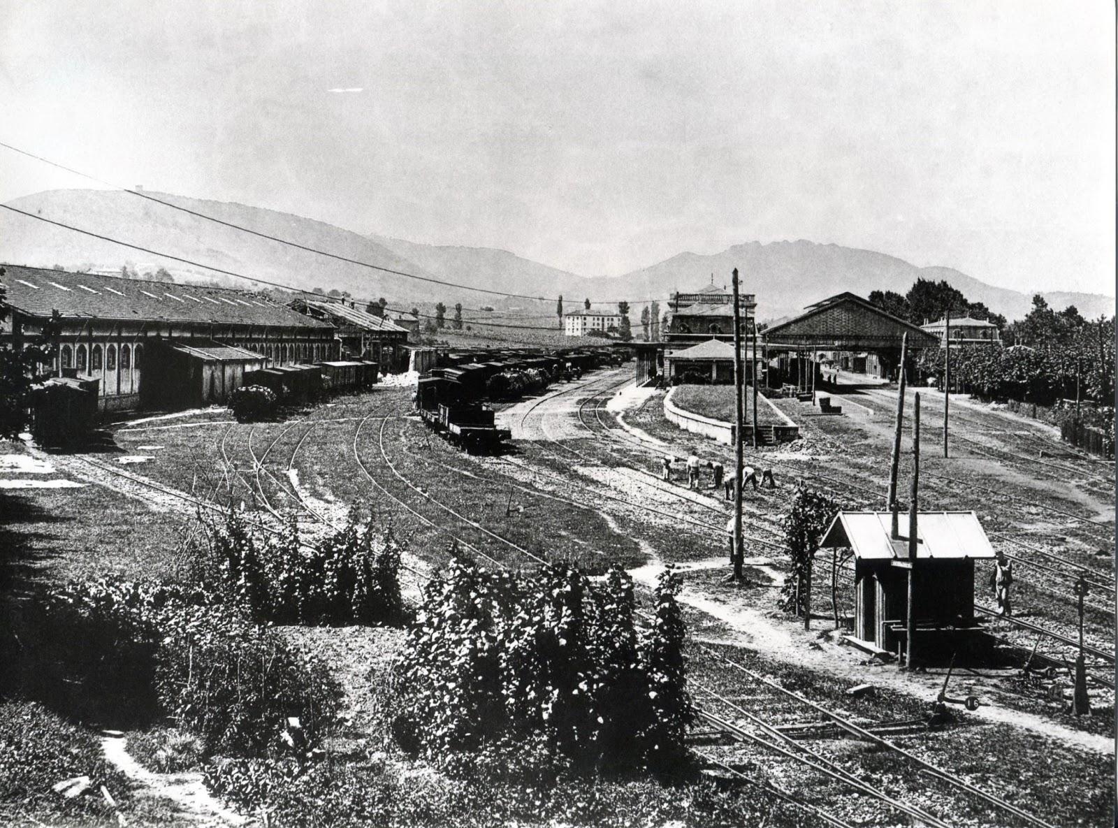 Estacion Internacional de Irun, fondo : J.J. Olaizola