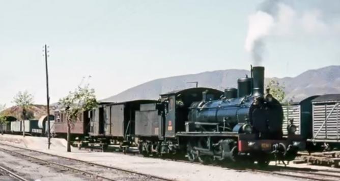 Estacion de Almendricos, el 06.04.1966, la 0940-2382 a la cabeza del mixto de Zurgena a Lorca