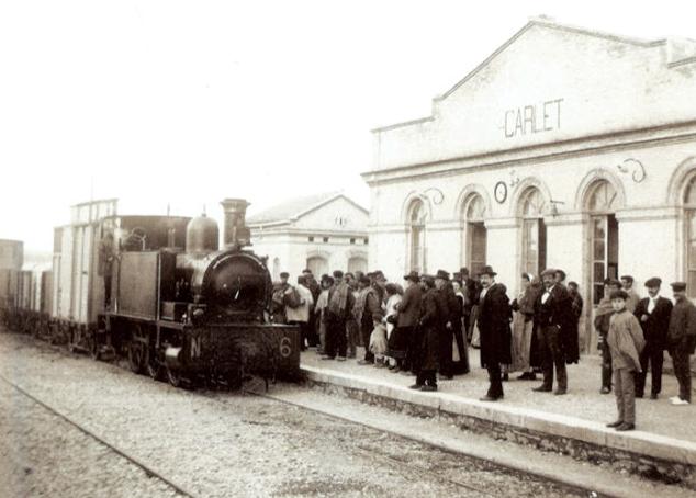 Estacion de Carlet , locomotora nº 6 Kerr Stuart, archivo Esteban Gonzalo Rogel