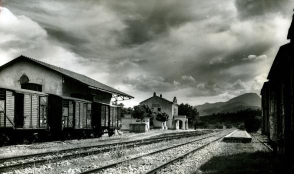 Estacion de Cherta, toto tomada en 1960 , poor Francisco Rivera, lado Benifatell, fuente Museu del Ferrocaril de Catalunya